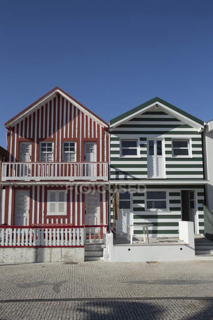 Португалія, Коста-нова, дерев'яний будинок, смугастий фасади — стокове фото