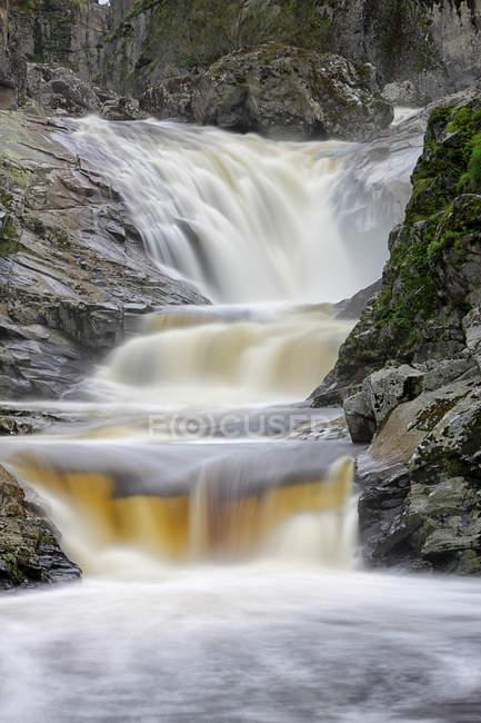 Испания, Кастилья и Леон, водопады на реке Усес и Дуеро — стоковое фото
