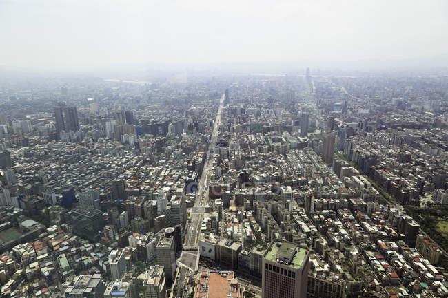 Taiwan, Taipei, View of city from Taipei 101 platform  during daytime — Stock Photo