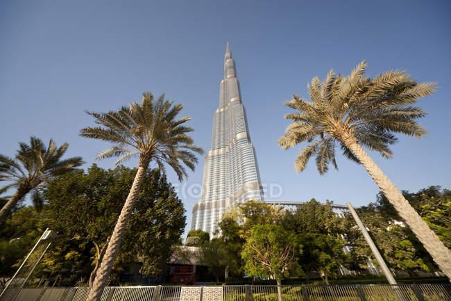 ОАЭ, Дубай, вид на Бурдж-Халифа в дневное время — стоковое фото