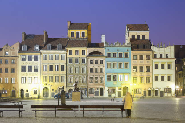 Poland, Warsaw, Old town, Market square in the evening — Stock Photo