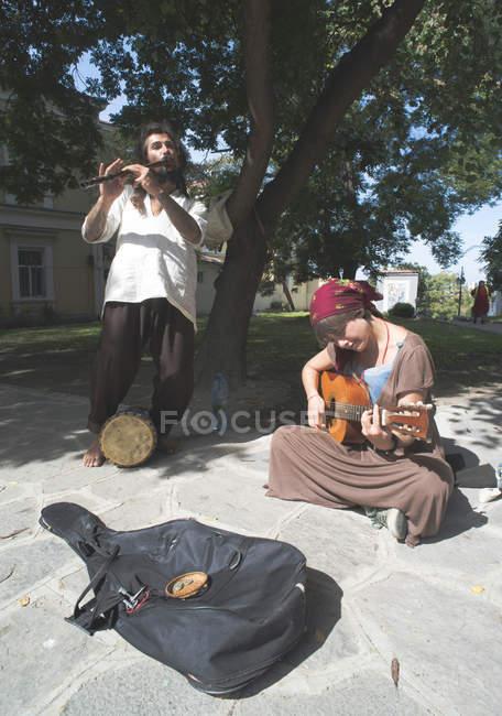 Músicos de rua fazendo música — Fotografia de Stock