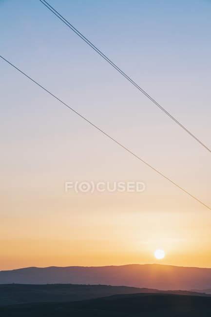 Болгарія, балканський гірський хребет на заході проти сонця — стокове фото