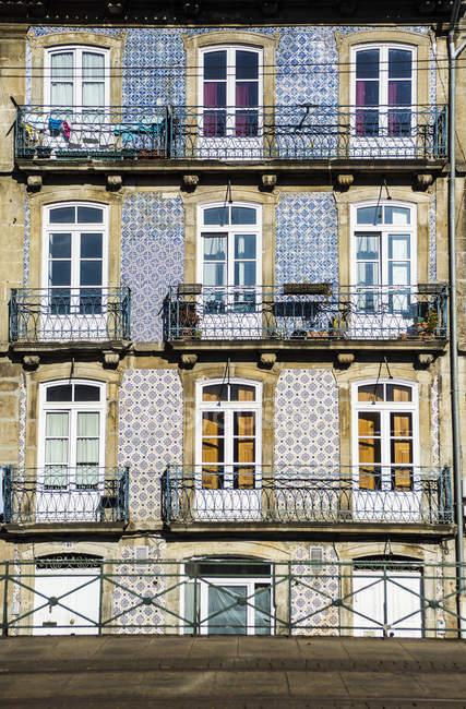 Типовий будинок фасади — стокове фото