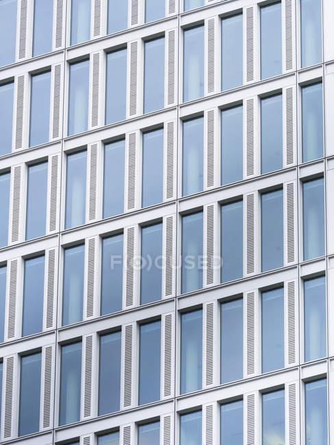 Vista para frente do hotel Jumeirah em Frankfurt, na Main, Alemanha — Fotografia de Stock