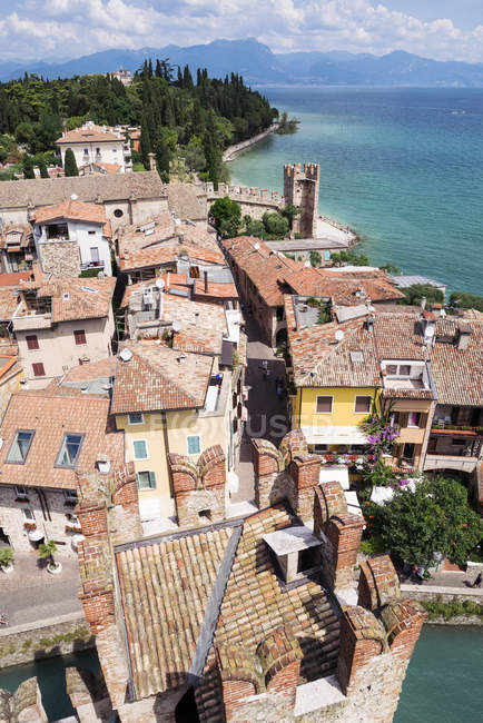 Lake Garda view from Scaliger Castle — Stock Photo