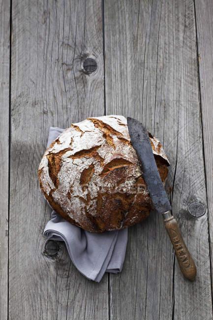 Круглі хрусткі хліб — стокове фото