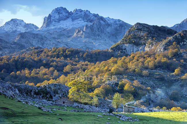 Spagna, Autunno al Parco Nazionale Picos de Europa — Foto stock