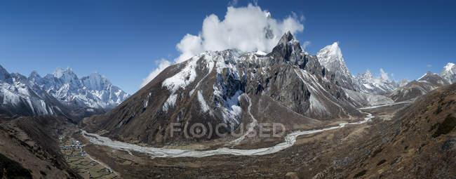 Nepal, Khumbu, Everest Region, Dingboche, Tababochengipfel — Stockfoto