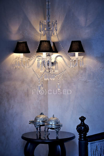 Morocco, Fes, Hotel Riad Fes, lightened ceiling lamp in a corner — Stock Photo