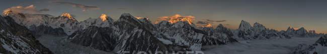 Непал, Кхумбу, Эверест регион, Эверест варьируются от Гокио Ри пик, Панорама — стоковое фото