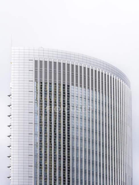 Germania, Francoforte, finestre e facciata della Torre del Polluce — Foto stock