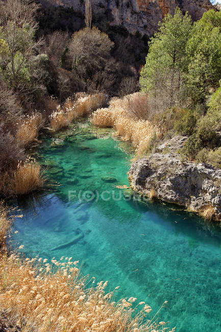 Spanien, Wasserbecken in der Serrania de Cuenca Natural Park — Stockfoto