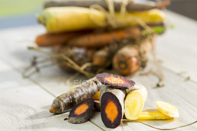 Different sorts of organic carrots — Stock Photo