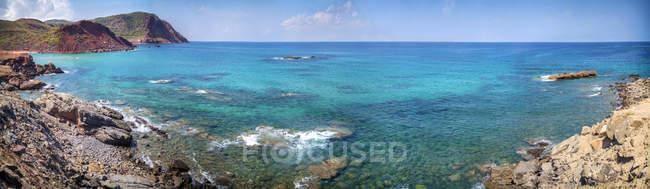 España, Islas Baleares, Menorca, playa de Cala Pilar - foto de stock