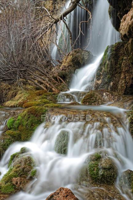 Іспанія, водоспади на річці Cuerva — стокове фото