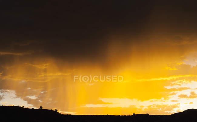 Cielo espectacular de Estados Unidos, Nevada, en el parque estatal Catedral Gorge - foto de stock