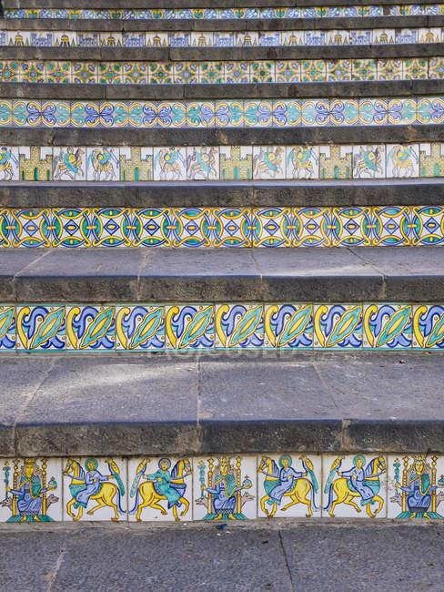 Itália, Sicília, Caltagirone, majolica em passos de Santa Maria del Monte — Fotografia de Stock