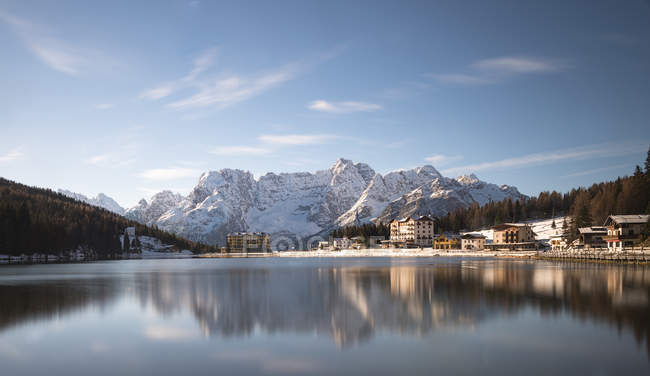Italy, Veneto, Belluno, Lake Misurina in autumn — Stock Photo
