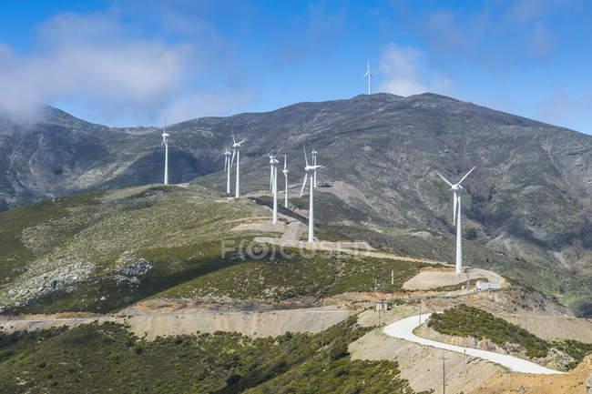 Grécia, Creta, Fazenda eólica nas montanhas — Fotografia de Stock