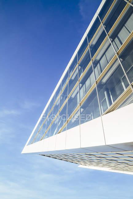 Vue de l'extérieur des détails de l'immeuble des docks à Hambourg, Allemagne — Photo de stock