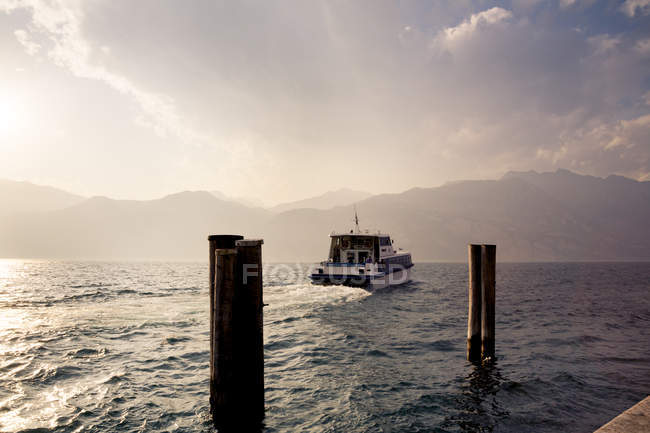 Lake Garda, Malcesine ferry at dusk — Stock Photo