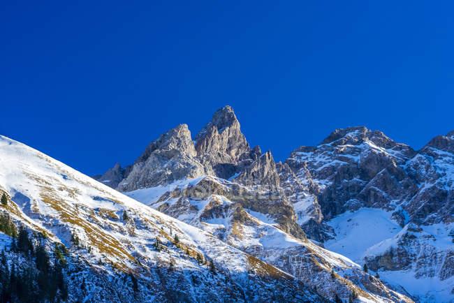 Німеччина, Баварія, Allgaeu Панорама з Einoedsbach, Stillach долина, головного хребта Allgaeu Альп, Trettachspitze та Maedelegabel f.l. — стокове фото