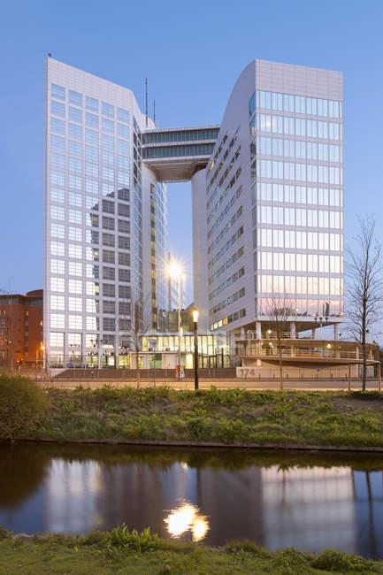 Países Bajos, La Haya, Corte Internacional del Delito, alojada temporalmente en el edificio Arco - foto de stock