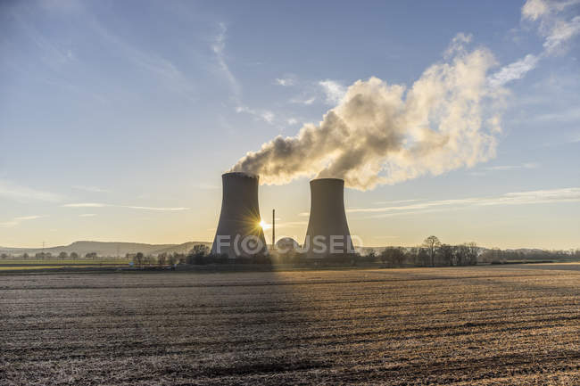 Germany, Lower Saxony, Grohnde, Grohnde Nuclear Power Plant — Stock Photo