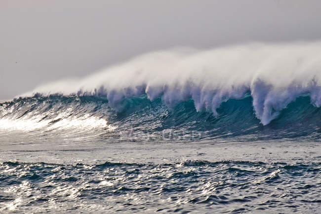 Ricciolo d'onda dell'Oceano Atlantico — Foto stock