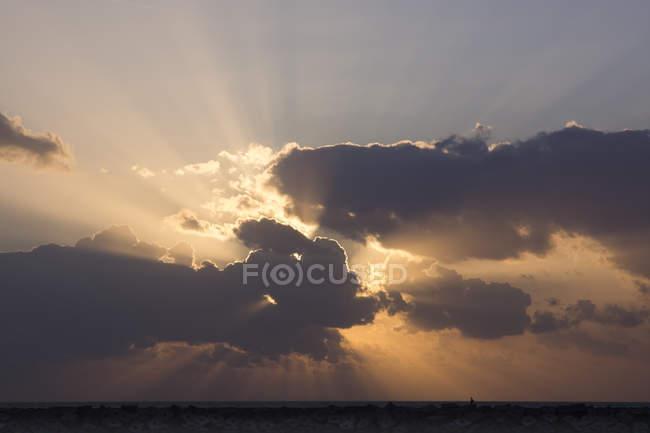 Pays-Bas, La Haye, Scheveningen, Côte dans la lumière du soir — Photo de stock