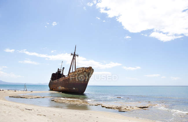 Greece, Gythio, ship wreck at beach  during daytime — Stock Photo