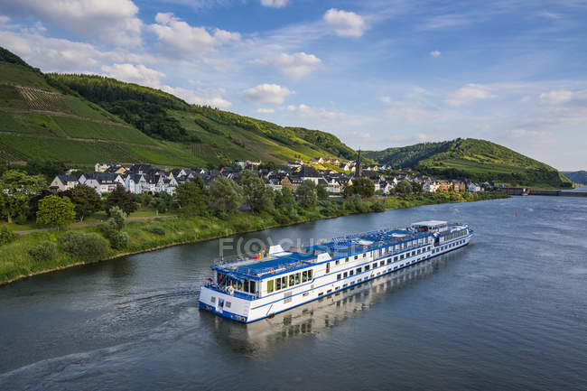 Germany, Rhineland-Palatinate, excursion ship passing Neef village in the Moselle valley — Stock Photo