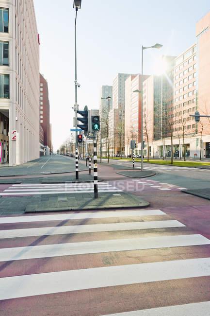 Нидерланды, Роттердам, Kop Фургон Zuid, пересечение с светофоров — стоковое фото