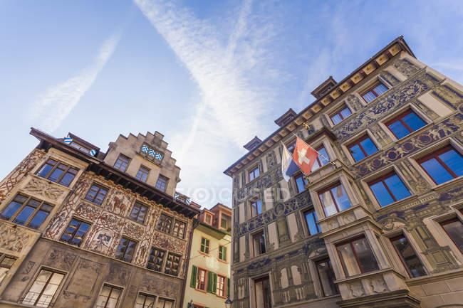 Cantón de Lucerna, Lucerna, Suiza, casco antiguo, casas en Hirschenplatz - foto de stock