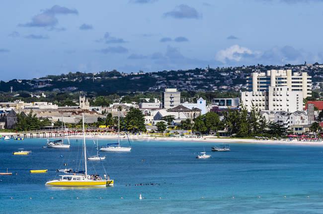 Caraïbes, Antilles, petites Antilles, la Barbade, Garrison, vue sur la plage pendant la journée — Photo de stock