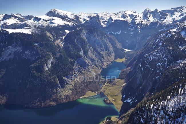 Германия, Бавария, Вид с воздуха на Альпы с озерами Koenigssee nad Obersee — стоковое фото