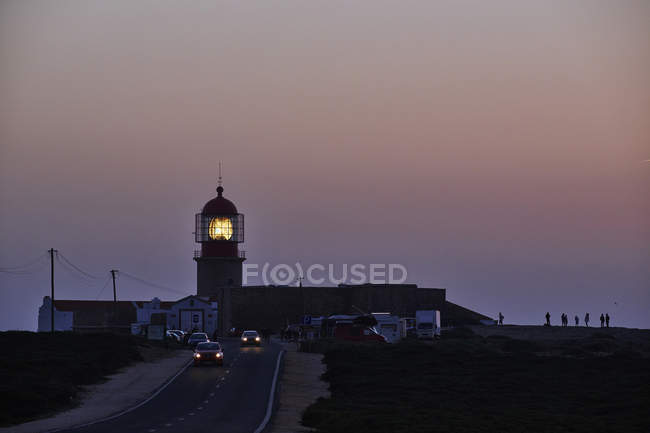 Phare à Cabo Sao Vicente au crépuscule — Photo de stock