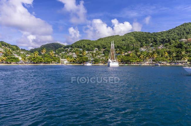 Caraïbes, Antilles, Lesser Antilles, Grenadines, Bequia, vue sur la plage — Photo de stock