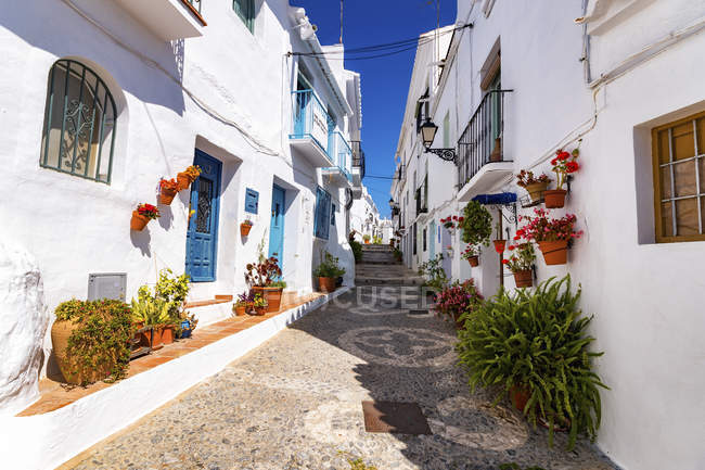 Spain, Andalusia, Frigiliana, alleyway during daytime — Stock Photo