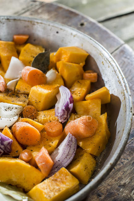 Preparation of pumpkin and vegetables — Stock Photo