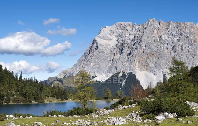 Austria, Tyrol, Ehrwald, Seebensee lake — Stock Photo