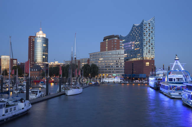 Germany, Hamburg, view to Columbus House, Kehrwiederspitze and Elbphilharmonie at Hafencity — Stock Photo