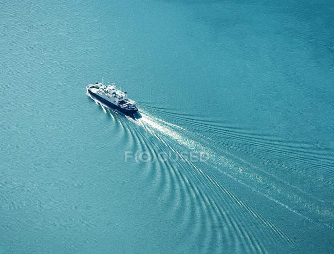 Bateau de croisière de la mer, vue aérienne — Photo de stock