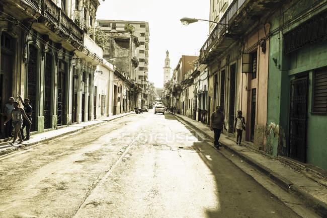 Cuba, scena di strada durante il giorno — Foto stock