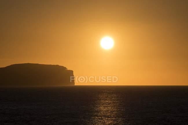 Royaume-Uni, Écosse, Dunnet Head, Pentland Firth au coucher du soleil — Photo de stock