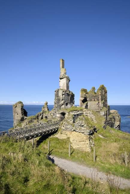 Vereinigtes Königreich, Schottland, Docht, Nordostküste, Ruinenburg sinclair girnigoe — Stockfoto