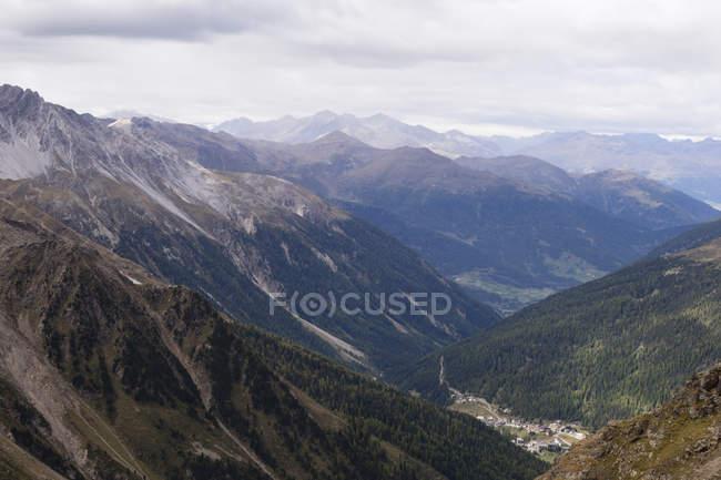 Itália, Tirol do Sul, Sulden, Ver os Alpes Ortler — Fotografia de Stock
