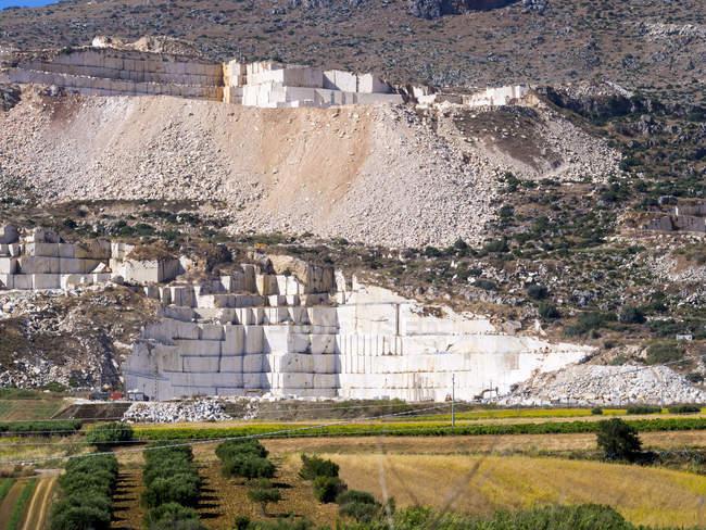 Italie, Sicile, carrière de marbre près de Buseto Palizzolo — Photo de stock
