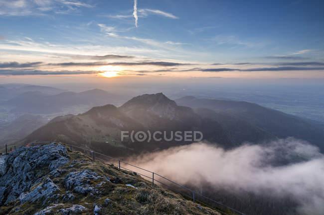 Coucher de soleil Alpes bavaroises, en Allemagne, à partir de Wendelstein — Photo de stock